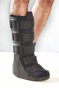 Tynor D-32 Walker Boot L